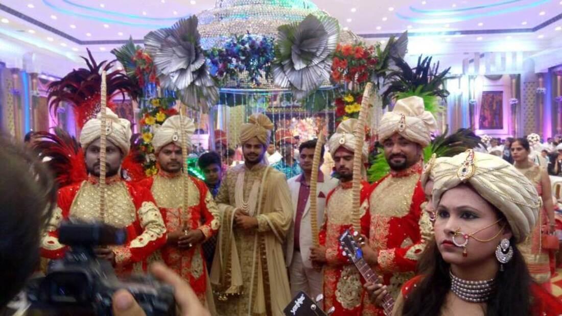 Bride Groom wedding Entry ideas