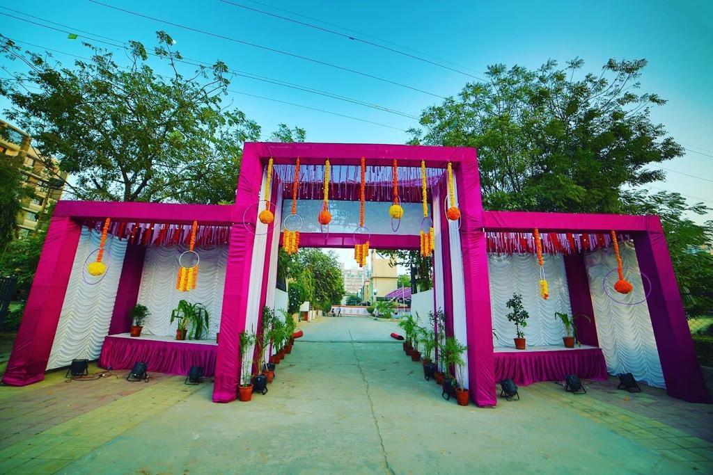 Wedding Entrance & Mandap Decor in Delhi India